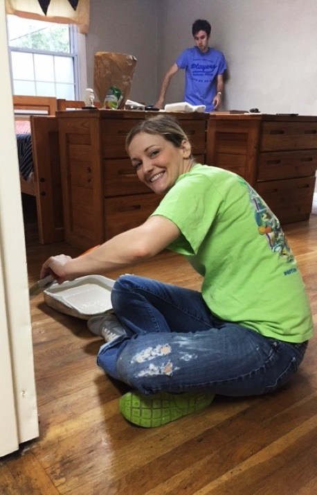 TechnologyAdvice gives back to Youth Villages by volunteering to revamp and paint one of their facilities
